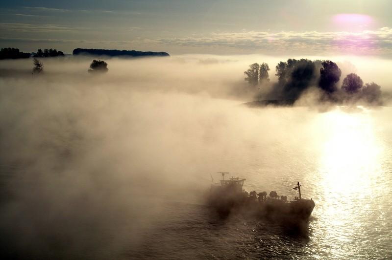 Mist boven de Waal