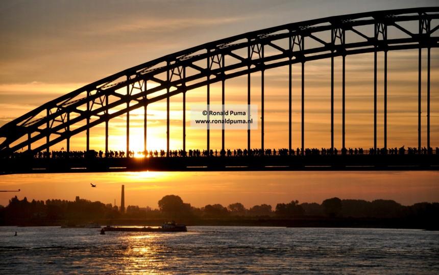 Waalbrug Nijmegen Vierdaagse