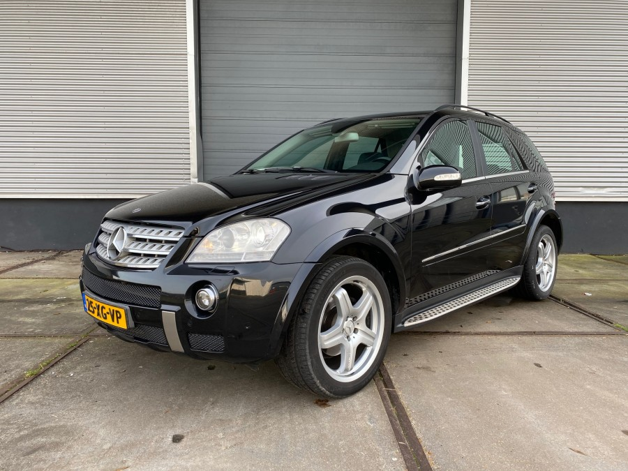 MERCEDES BENZ ML320 CDI MET AMG STYLING BJ. 2007 4-MATIC